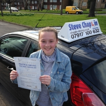 Jessica Walker from Nottinghamshire PASSED on 07/04/2016 at Watnall Driving Test Centre