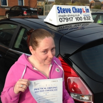 Rebecca Elliott from Eastwood, Nottinghamshire PASSED on 11/04/2016 at Sutton-in-Ashfield Driving Test Centre